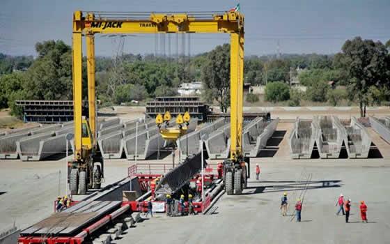 Prefabricados para el tren a Toluca avanzan
