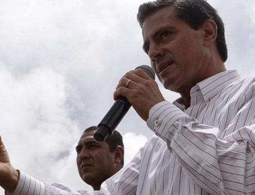 EPN pide optimizar recursos para reconstruir escuelas
