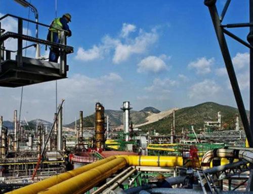Contra viento y marea, refinería en Tabasco va: AMLO