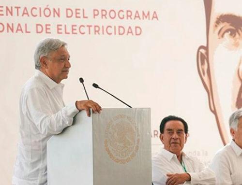 AMLO busca autonomía eléctrica; lanza plan para CFE