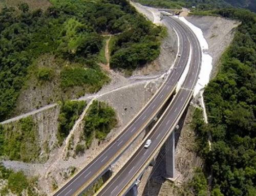 Licita SCT primeros 2 mil km carreteros en Guerrero