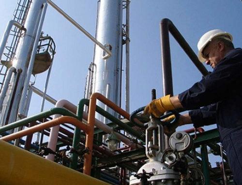 Detonación de industria petrolera favorecerá a constructores: CMIC