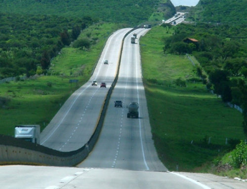 Amplían carreteras en Sinaloa