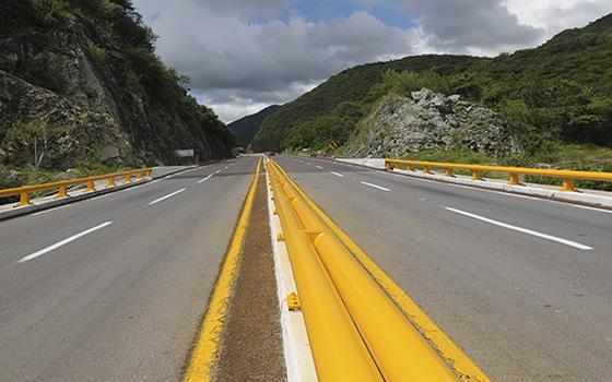 Scotiabank dará financiamiento a proyectos carreteros del Gobierno