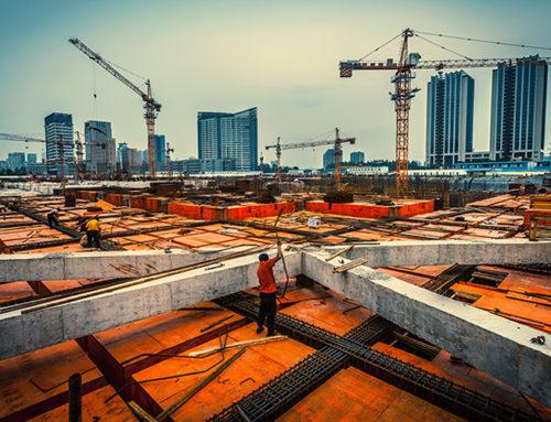 Mejora la inversión fija en agosto gracias a la construcción
