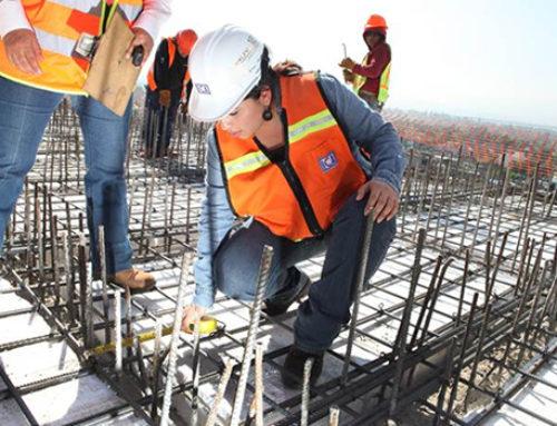 Industria de la construcción aumentará participación de mujeres en Querétaro