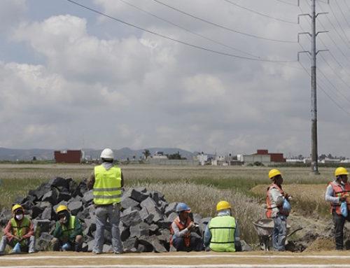 Prevén constructores poblanos recuperarse con obra pública