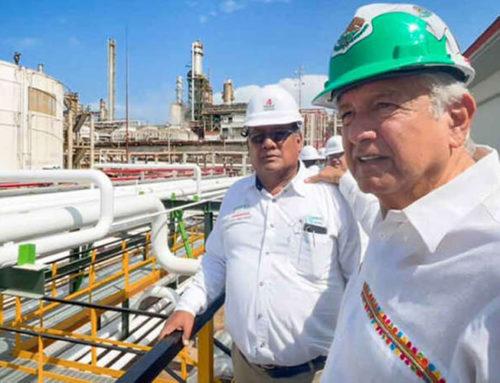 AMLO supervisa refinería Dos Bocas, estará lista en junio de 2022